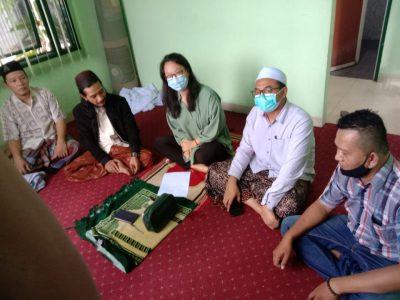 Dari kiri Fattahul Anjab, Gus Hadi, Carissa Juliani Sugiri, Gus Amak dan Aldo sahabat Carissa