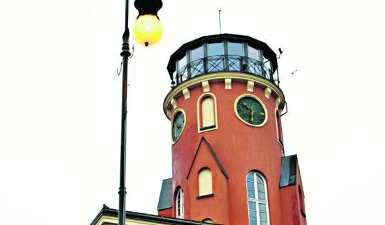 Zabytkowa lampa stała się nową atrakcją turystyczną Częstochowy. To w tym mieście zabłysły pierwsze w kraju elektryczne latarnie