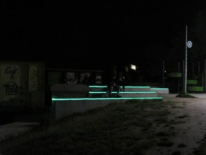 D-sign Tegnestuen arbejder med #lysibyensrum #byrum på nye og spændende måder #designtegnestuen #byrumoglys #lys #belysning #pladser #byrum #lysibyen flot belysning i #kolding
