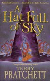 A Hat Full of Sky (Discworld, #32) (Tiffany Aching, #2)