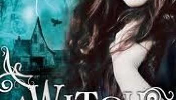 A Witch in Winter (Winter Trilogy #1) – Ruth Warburton