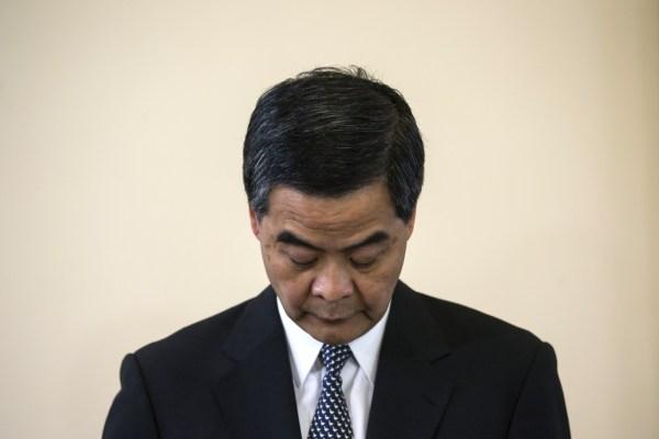 Hong Kong 'Beating Video' Policemen Suspended as CY Leung ...