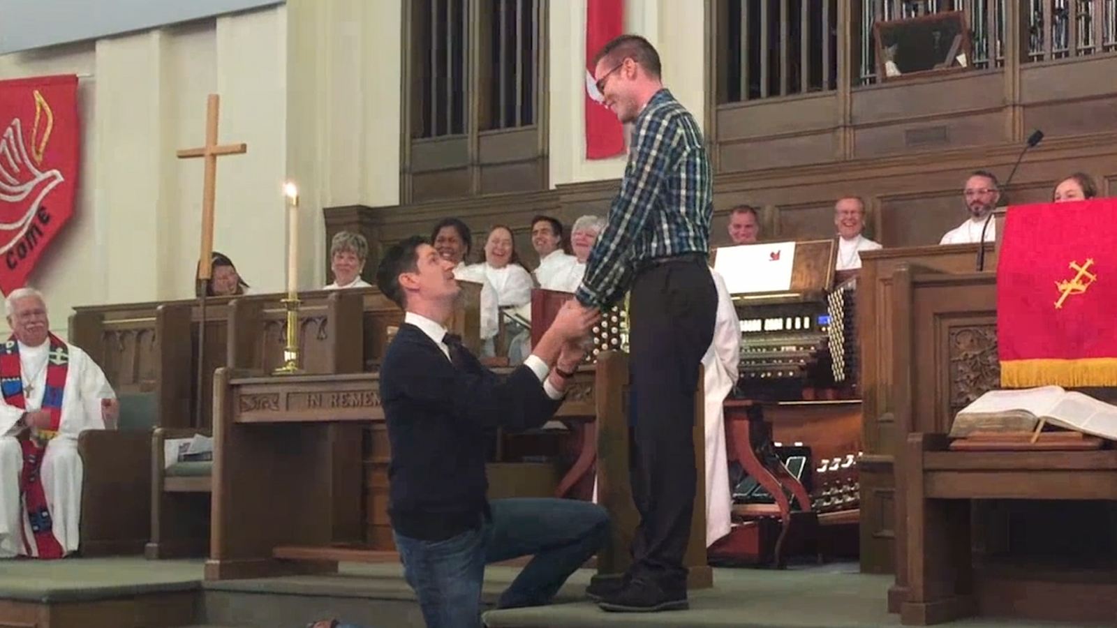 Texas Gay Marriage Proposal At Church Receives Standing