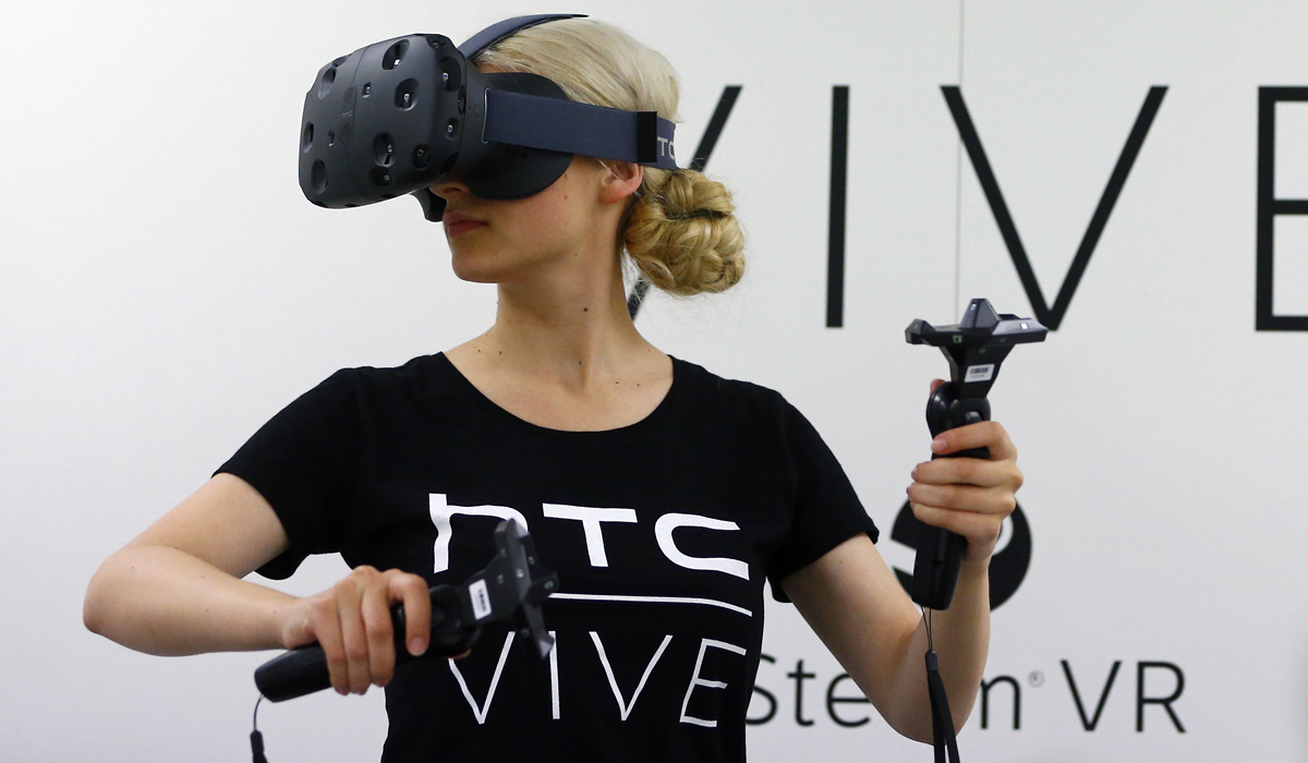 Using the HTC Vive: note, this is not me.