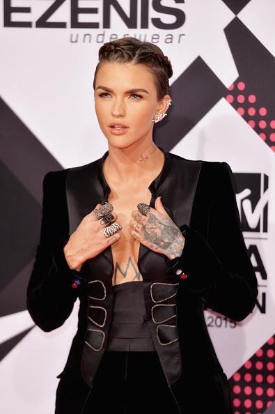 MTV EMA's: Justin Bieber, Ed Sheeran, Ellie Goulding make ...