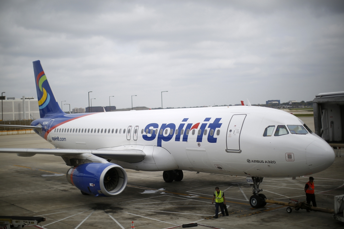 Loud Music Sparks Fight Videotaped In Spirit Airlines