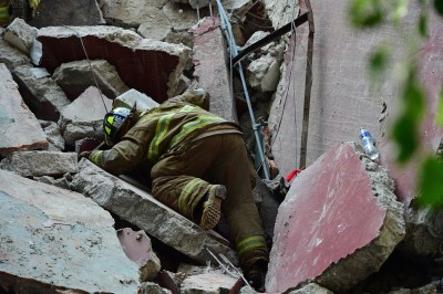 Mexico City earthquake: Parents and rescuers search for ...