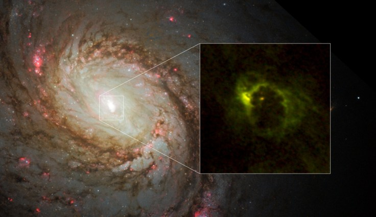 Monstrous black hole captured inside a giant 40-light-year ...