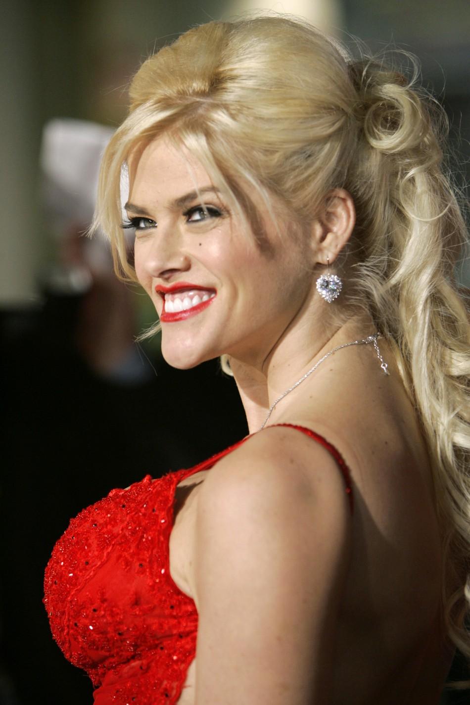 Anna Nicole Smith Found Dead
