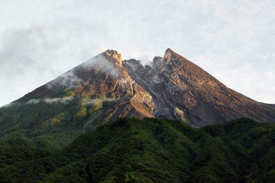 山  メラピ、インドネシア