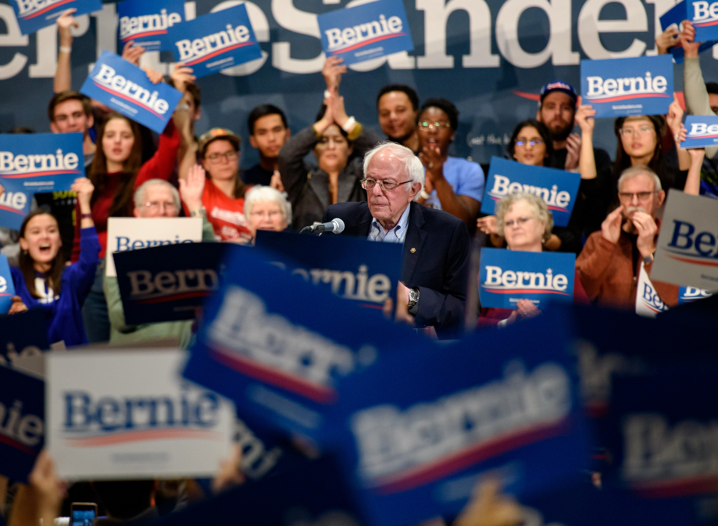 Bernie Sanders promises to legalize marijuana federally by executive order, expunge records of those convicted of pot crimes