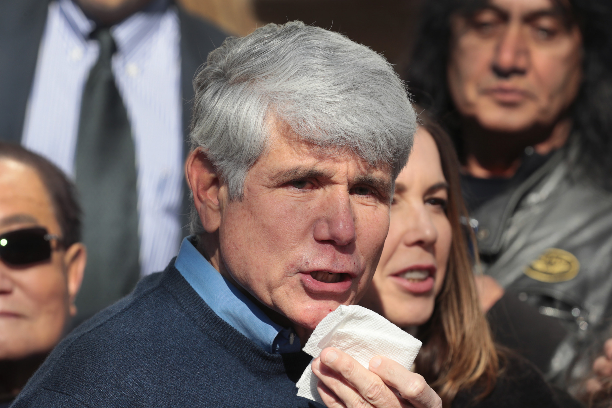 "Rod Blagojevich tells Anderson Cooper he's a ""political prisoner,"" compares himself to Nelson Mandela"
