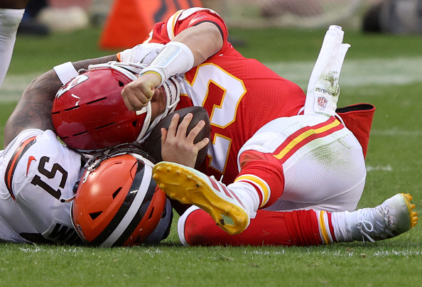 This image has an empty alt attribute; its file name is patrick-mahomes.jpg