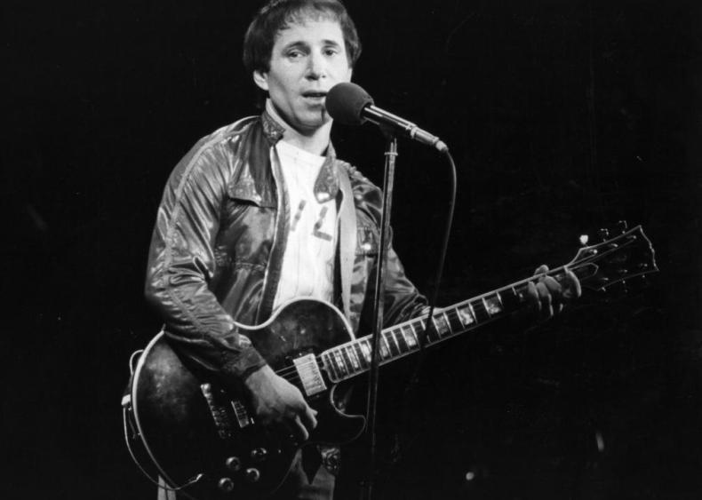 1976: Paul Simon thanks Stevie Wonder