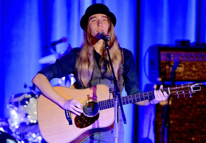 Sawyer Fredericks performing