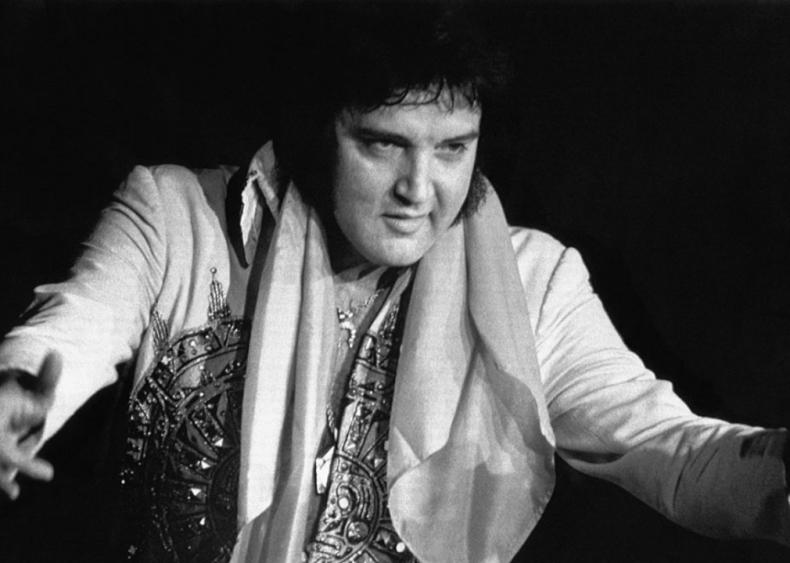 1977: Elvis Presley dies