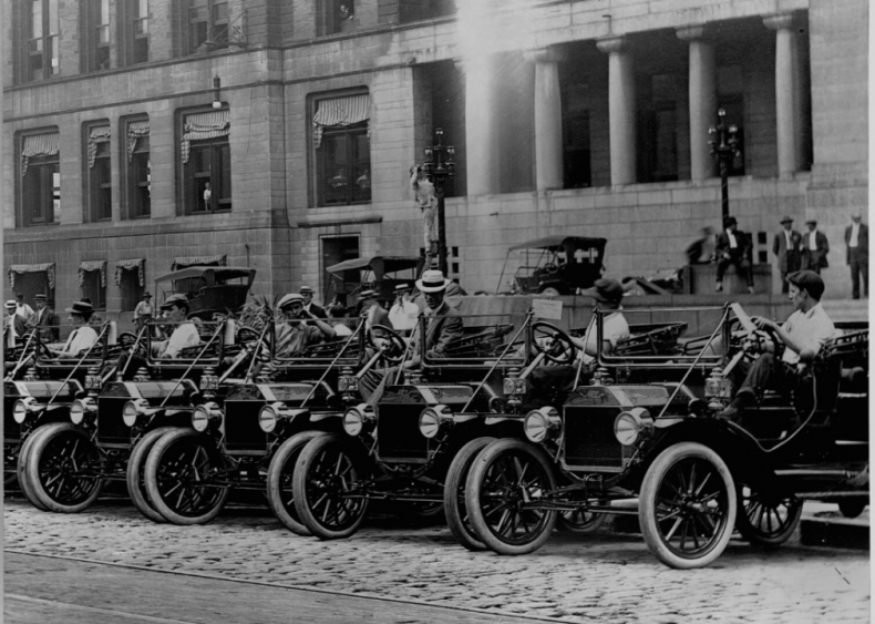 Millions hit the road, many driving Ford's Model T