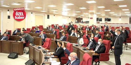 Τα μάτια στο Κοινοβούλιο για «πρόωρες εκλογές»: πρώτα επείγοντα και έπειτα η επιτροπή