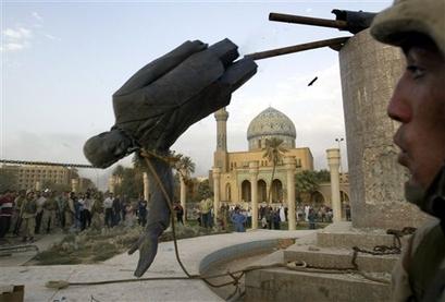 Saddam statue falls in Baghdad