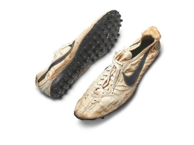 Nike Moon Shoes Auctioned For High Price - మూన్ షూకు భారీ ధర -