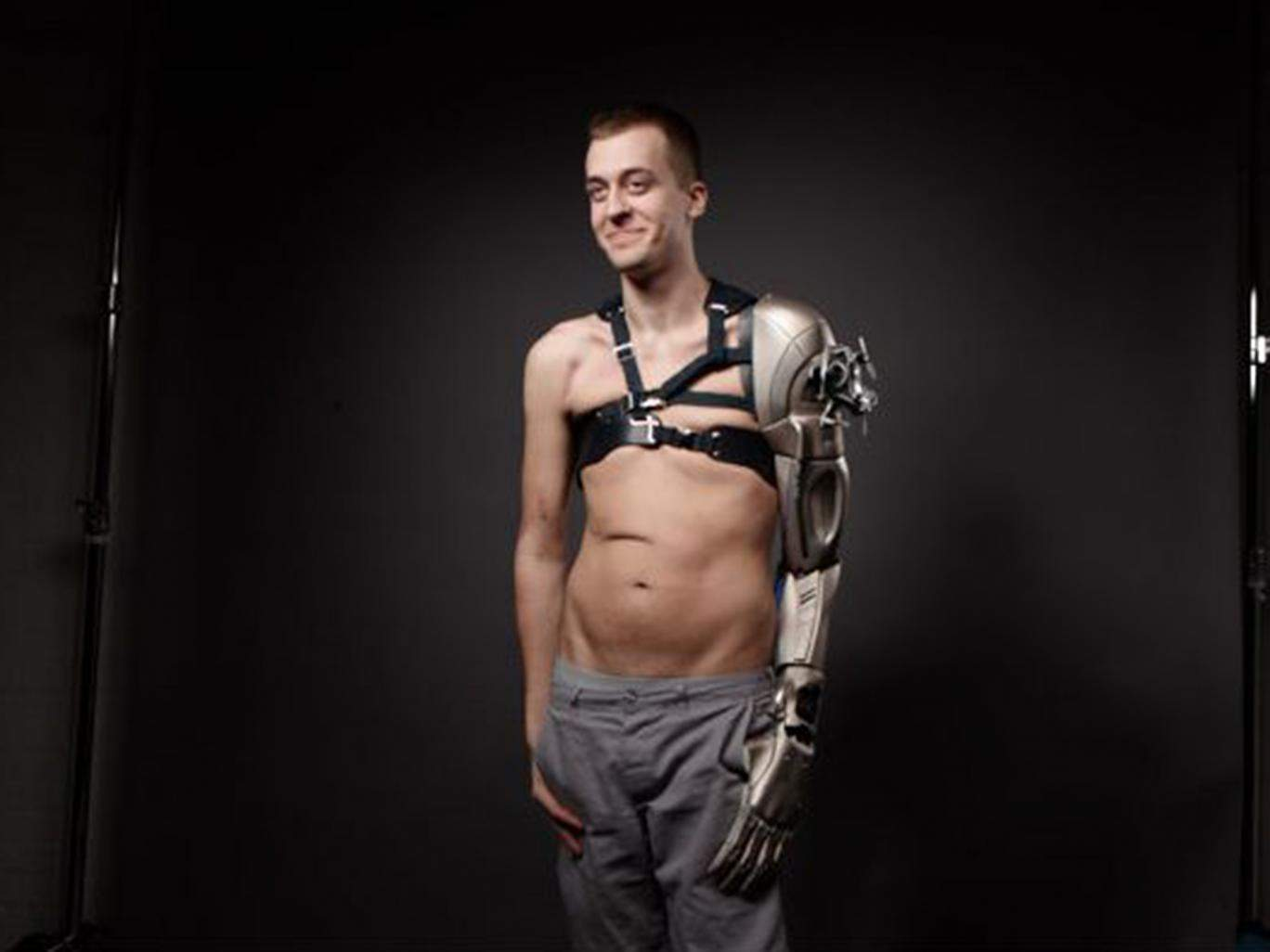 3d-printed-metal-gear-solid-synthetic arm_01