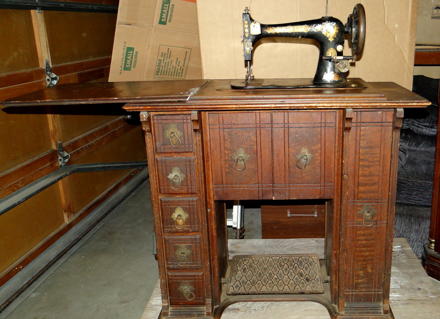 Singer Desk Antique Sewing