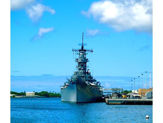 Arizona Memorial & USS Missouri Tour at Pearl Harbor, Oahu ...