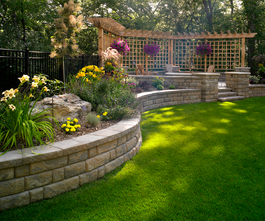 Backyard Retaining Walls on Wall Ideas For Yard id=66898