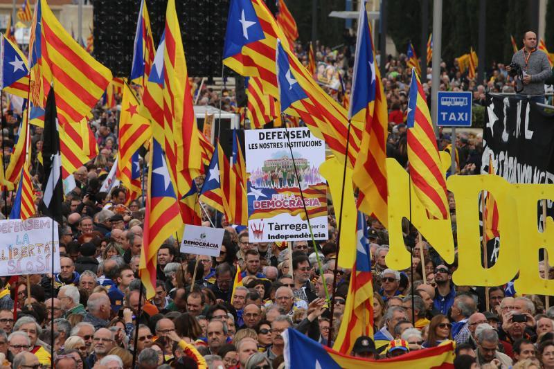 Resultat d'imatges de Defensa democràcia 14 novembre 2016 Montjuic