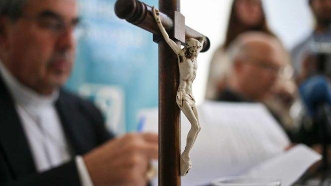 Resultado de imagen para Chilenos víctimas de abusos piden expulsión de religiosos de Congregación Marista