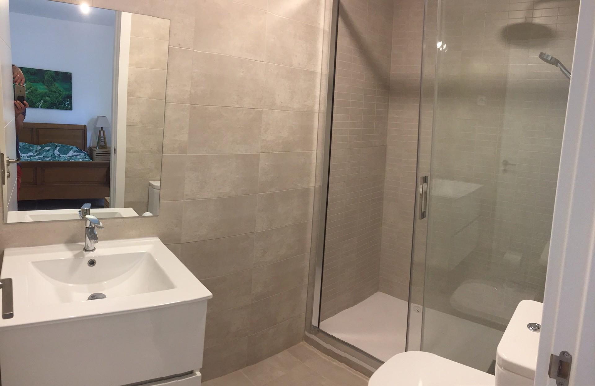 Non Disponible Chambre Sale De Bain Et Salon Independant Tout Frais Inclus Location Studios Villanueva De La Canada