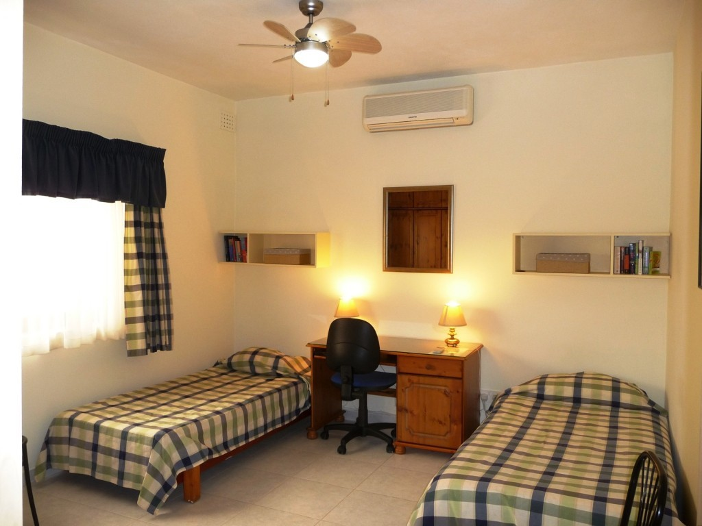 Home Stay Rooms Next To The University Of Malta
