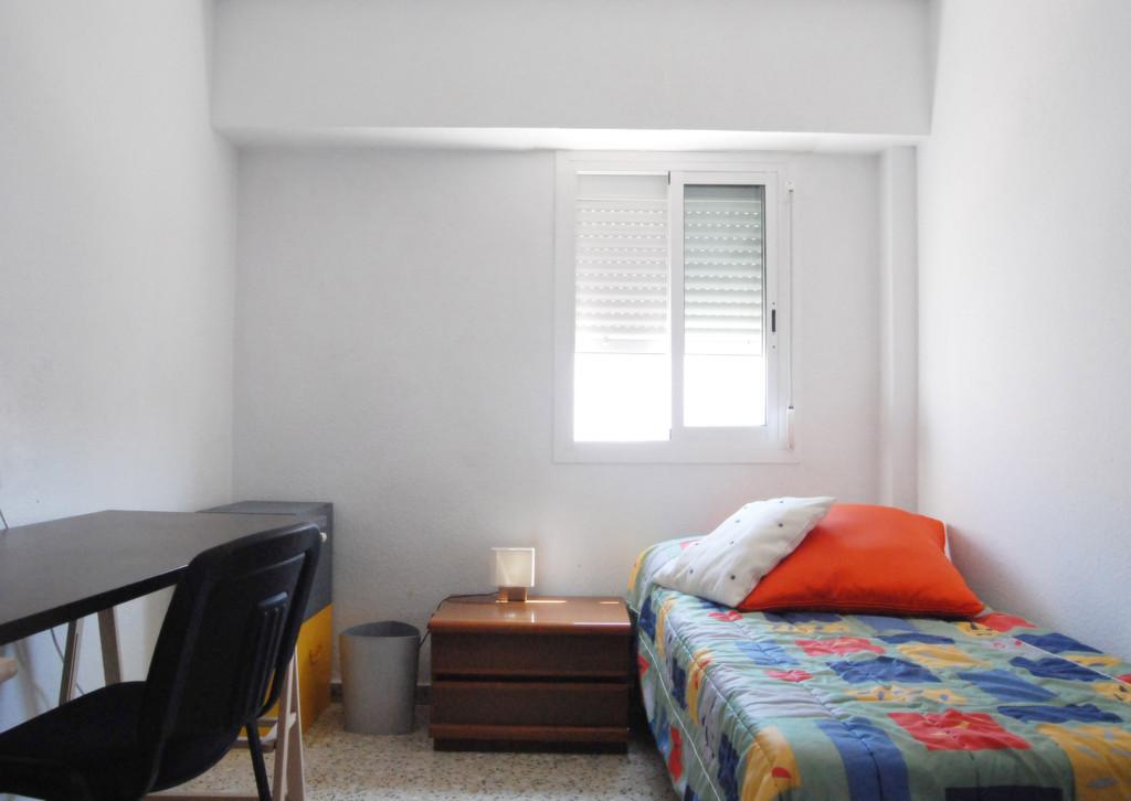 ROOM RENTAL FOR ERASMUS STUDENTS In Benimaclet Room For