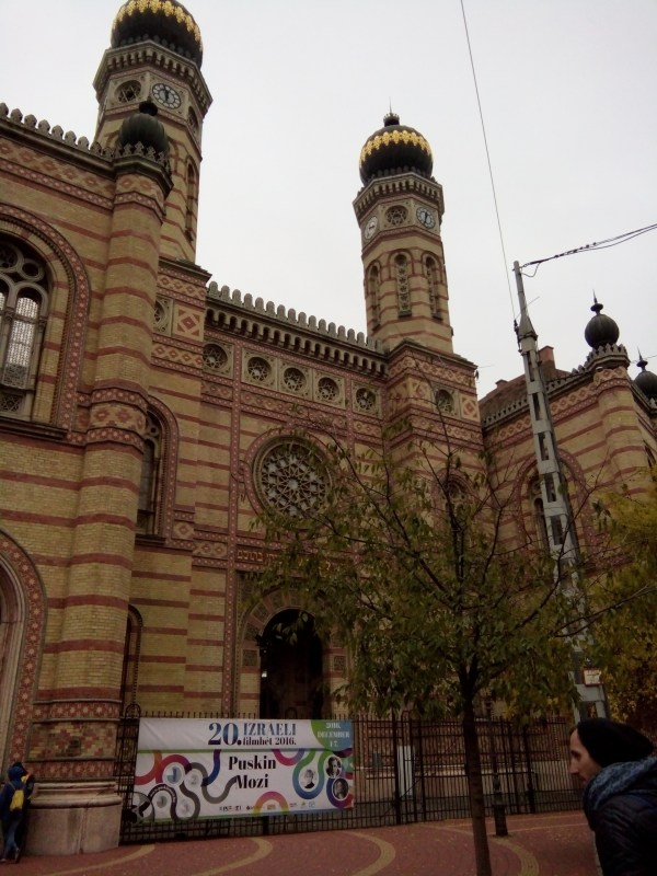World's second largest synagogue in Budapest; Don't miss ...