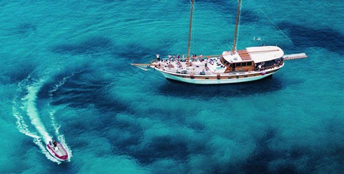 Take a full day Malta boat tour around the islands.