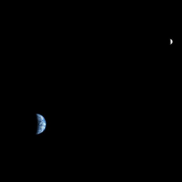 Earth/Moon System seen from Mars. Credit: NASA/JPL/University of Arizona
