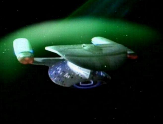 El USS Enterprise tiene muchos usos para sus escudos deflectores, incluyendo repeler el Borg (Paramount Pictures)