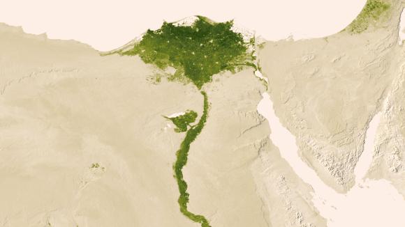 Delta del Nilo: 9 hasta 15 jul, 2012.  En medio de los desiertos de Egipto, el Nilo abastece de agua para mantener la vida en la región.  También son visibles las zonas urbanas del norte de Egipto.  Crédito: NOAA / NASA