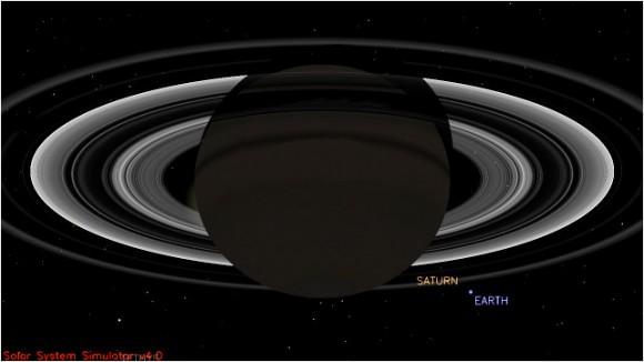 Este punto de vista simulada de la nave espacial Cassini de la NASA muestra las posiciones esperadas de Saturno y la Tierra el 19 de julio de 2013, en la época Cassini tomará imágenes de la Tierra.  Cassini será de unos 898 millones millas (1440 millones kilometros) de distancia de la Tierra en ese momento.  Esa distancia es casi 10 veces la distancia del Sol a la Tierra.  Crédito de la imagen: NASA / JPL-Caltech