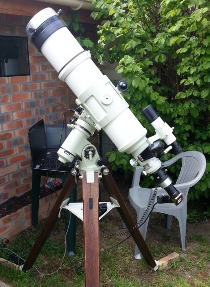Telescopio y la imagen de Michel Collart configurar.  Imagen cortesía de Michel Collart.