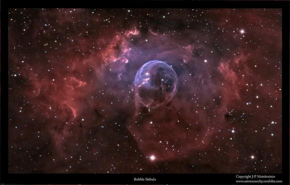 """Un examen detallado de una nebulosa, conocida como la Nebulosa de la burbuja, o Sharpless 162 o NGC 7635, fue tomada con una cámara y un QHY9 Meade LX200 GPS 12 en el """"telescopio de Crédito y copyright:. JP Metsävainio."""