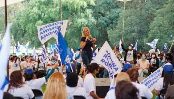 Se suma organización a campaña de Romina Contreras
