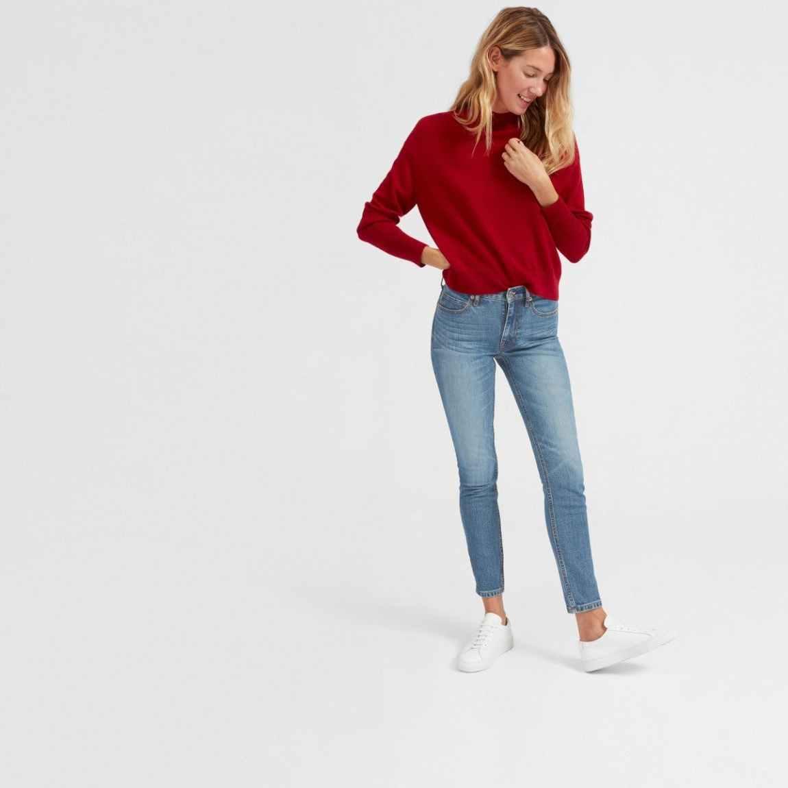everlane, everlane jeans, everlane denim, japanese denim, cropped jeans, lightwash jeans, blue jeans, blue denim, mid-rise jeans, skinny jeans, denimblog, denim blog