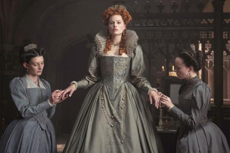 Margot Robbie en reine Elizabeth 1ère dans Marie Stuart, reine d'Écosse, de Josie Rourke (2019)