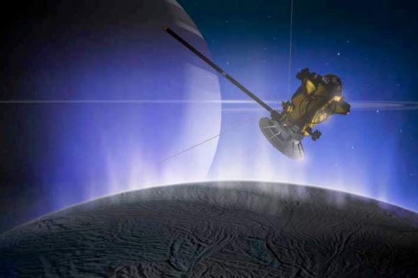 Fleet of robots could hunt for life on icy moon Enceladus ...
