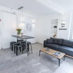 Bright And Modern 1 Br With Balcony Sleeps 4
