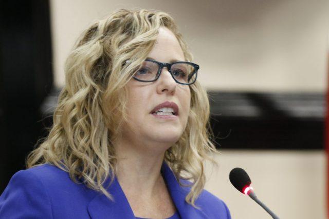 Consejo de Directores de la Defensoría solicita a Catalina Crespo su  renuncia - Delfino.cr