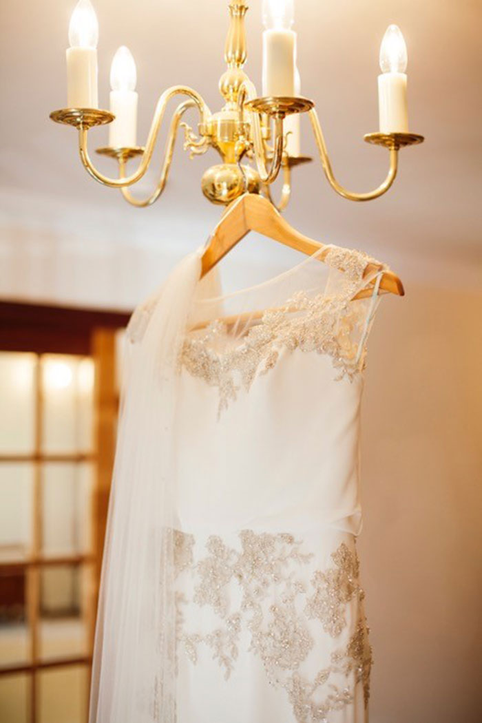 guide wedding dress