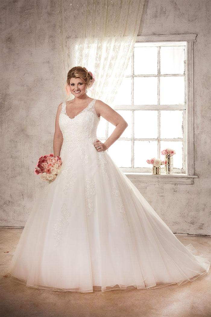Amazing Plus Size Wedding Dress Designers Stocked In Scotland