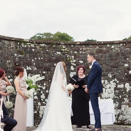 Beautiful Non-religious Readings For Your Scottish Wedding